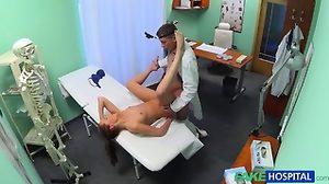 Доктор Назначает Эротический Массаж Для Сексуальной Блондинки